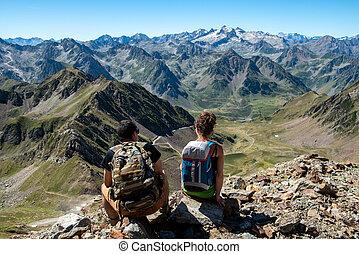 フランスのピレネー山脈, 恋人, ハイカー, 山