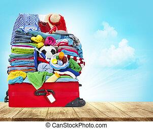 フルである, 手荷物, 旅行, 衣服, 手荷物, 木, スーツケース, テーブル, 開いた