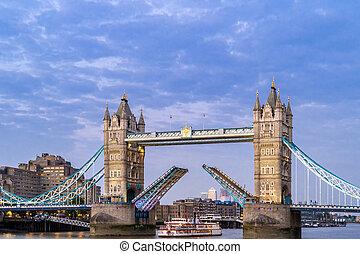 ブリッジ塔, ロンドン, の上, 持ち上がること