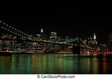 ブルックリン 橋, そして, マンハッタンスカイライン, 夜で