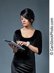 ブルネット, collection., 1(人・つ), device., パッド, 新しい, 感触, 使うこと, セクシー, モデル