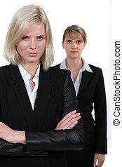 ブロンド, 女性実業家