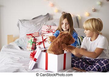 プレゼント, 開いた, クリスマス, ベッド, 朝