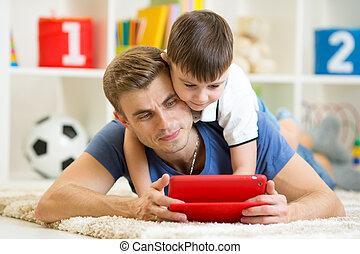 プレーしなさい, タブレット, 屋内, 父, 息子, コンピュータ, 子供