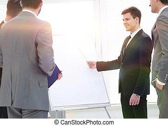 プロジェクト, マネージャー, 新しい, シニア, プレゼンテーション, 与える