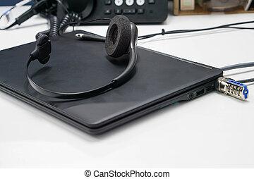 ヘッドホン, ラップトップ・コンピュータ, 黒