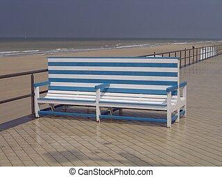 ベンチ, 海岸