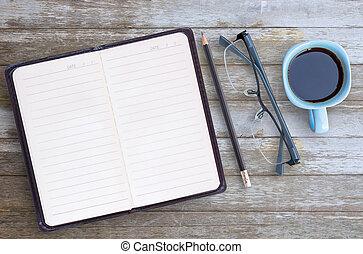 ペーパー, ガラス, ノート, 木製である, ブラウン, カップ, テーブル, ブランク, バックグラウンド。, コーヒー, 鉛筆