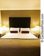 ホテルの部屋, ダブル・ベッド