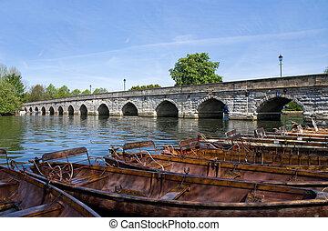 ボート, 川