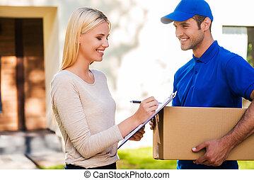 ボール紙, 保有物, 印, 女, 署名, please!, 若者, クリップボード, 微笑, ここに, パッティング, 配達箱, 美しい, 間