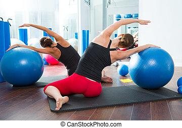 ボール, 安定性, pilates, 女性, クラス, 後部光景