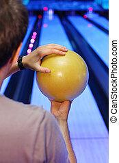 ボール, 手掛かり, フォーカス, 黄色, 背中, ボウリング, 準備する, club;, 人, 投球