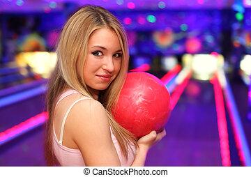 ボール, 立つ, 女の子, クラブ, 準備, ボウリング, 微笑, 投球, 赤