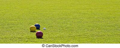 ボール, 緑の草