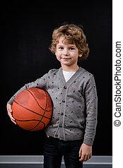 ボール, 遊び, casualwear, バスケットボール, 愛らしい, 男の子, 保有物, わずかしか