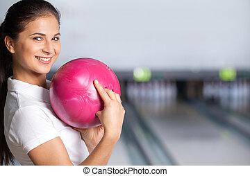 ボール, bowling., 女, クローズアップ, 保有物, ボウリング, 微笑