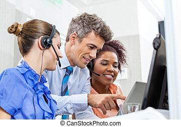 マネージャー, ∥で∥, カスタマーサービス, 経営者, 使うこと, タブレット, コンピュータ