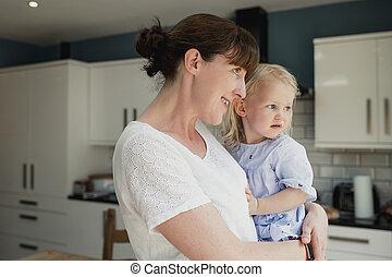 ママ, 家の時間
