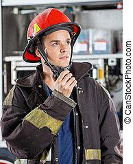 マレ, 消防士, 確信した, トーキー, 使うこと, walkie