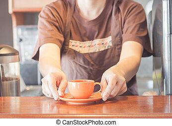 ミニ, コーヒー, barista, 提供, カップ, オレンジ
