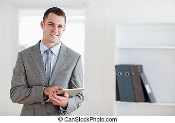 メモ, 微笑, 彼の, ビジネスマン