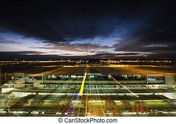 メルボルン, 空港, 夜で