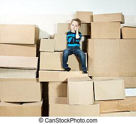 モデル, 上, boxes., 子供, 山, パックされた