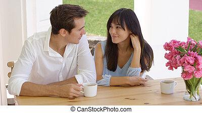モデル, 恋人, 若い, 混ぜられた, テーブル, 幸せ