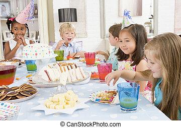 モデル, 食物, 若い, パーティー, テーブル, 微笑, 子供