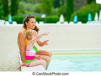 モデル, pointi, 母, 女の赤ん坊, 幸せ, プール, 水泳