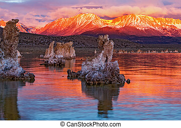 モノラル 湖