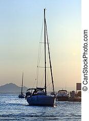ヨット, 日没の航海