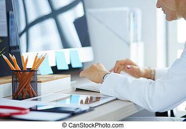 ラップトップ, 手, 医者の, 使うこと, 女性, 机