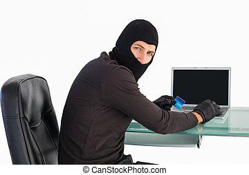 ラップトップ, 間, 買い物, 見る, カメラ, 強盗, オンラインで