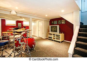 リハーサル, 白い部屋, 赤, 地下室