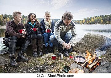 レイクショア, 楽しむ, 友人, 若い, キャンプ