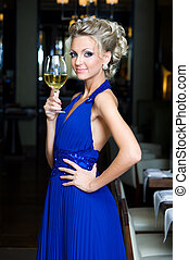 レストラン, 美しい女性, 飲む ワイン
