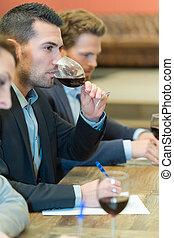 レストラン, 若い, 確信した, 飲む ワイン, 人
