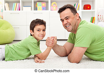 レスリング, 遊び, 父, 腕, 息子