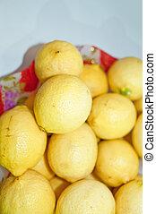 レモン, 黄色