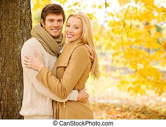 ロマンチックな カップル, 中に, ∥, 秋, 公園