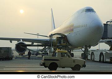 ローディングの貨物, へ, 飛行機