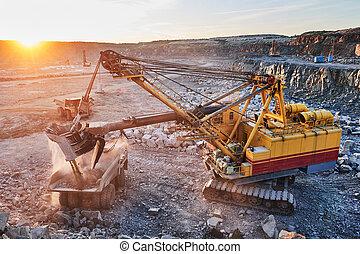 ローディング, ∥あるいは∥, 花こう岩, 鉱石, トラック, 掘削機, ゴミ捨て場, mining.