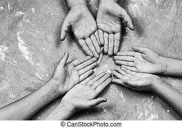 一緒の 手, 円, childrens