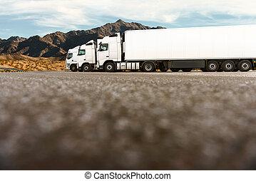 三, 卡車, 在一行中, ......的, a, 運輸, 公司
