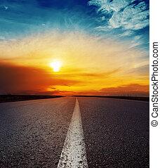 上に, よい, 日没, アスファルト坑道