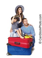 上に, 手荷物, 家族, モデル, 旅行, 母, 父, 隔離された, 見る, 背景, 子供, スーツケース, 白, 両眼用である, 人々, 子供