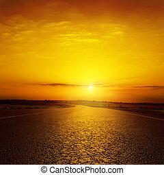上に, 日没, アスファルト坑道