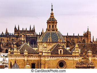 下に, el, de, スペイン, 教会, サルバドール, 二番目に, 嵐である, 1700s., ドーム, seville, 最も大きい, andalusia, skies., 作られた, seville., 交差点, iglesia